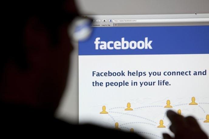 Facebook chce zadbać o prywatność osób udzielających się w dyskusjach /123RF/PICSEL