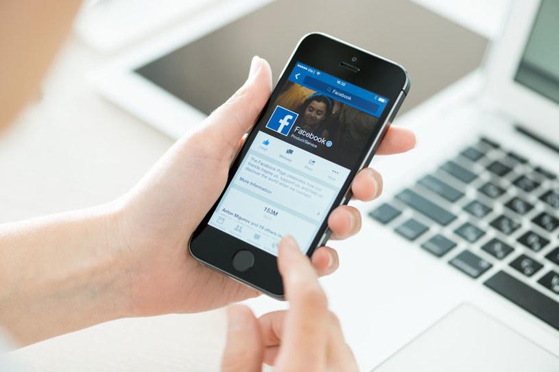 Facebook patentuje nową technologię /123RF/PICSEL