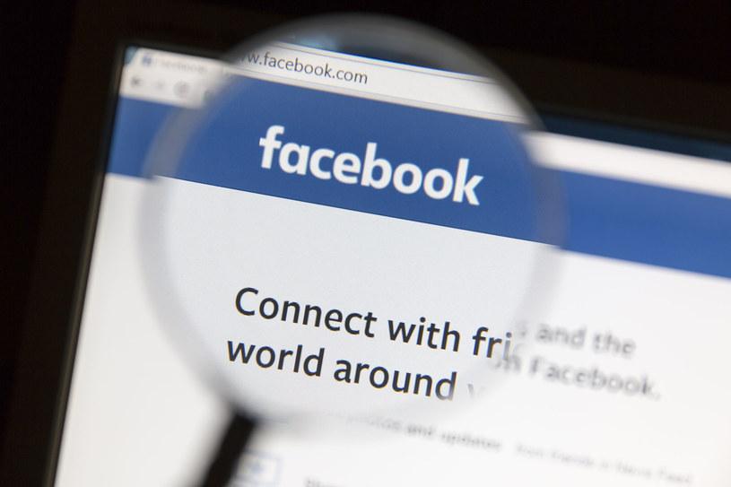 Facebook planuje coraz więcej ułatwień z zakresu tłumaczenia postów /123RF/PICSEL
