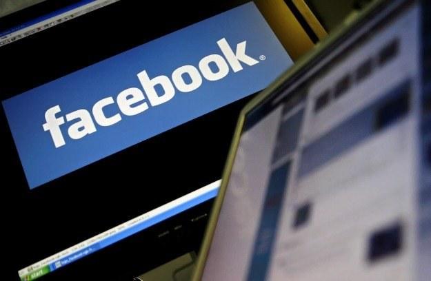 Facebook stał się dla hakerów idealnym źródłem ofiar /AFP
