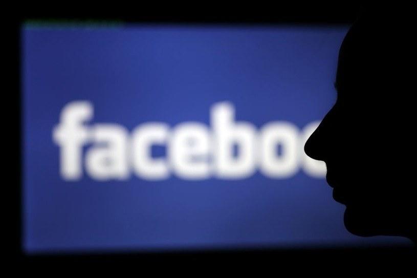 Facebook stara się walczyć z dezinformacjami dotyczącymi szczepionek /123RF/PICSEL