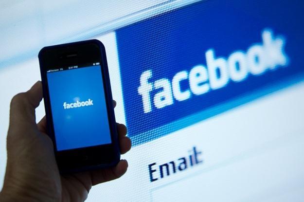 Facebook wkrótce wykorzysta nasze dane w reklamach? /AFP