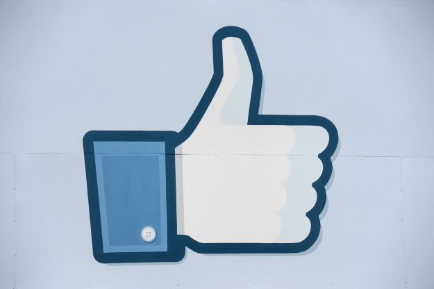 """Facebook zauważył, że popularne """"lajki"""" nie zawsze pasują do treści wpisu /AFP"""