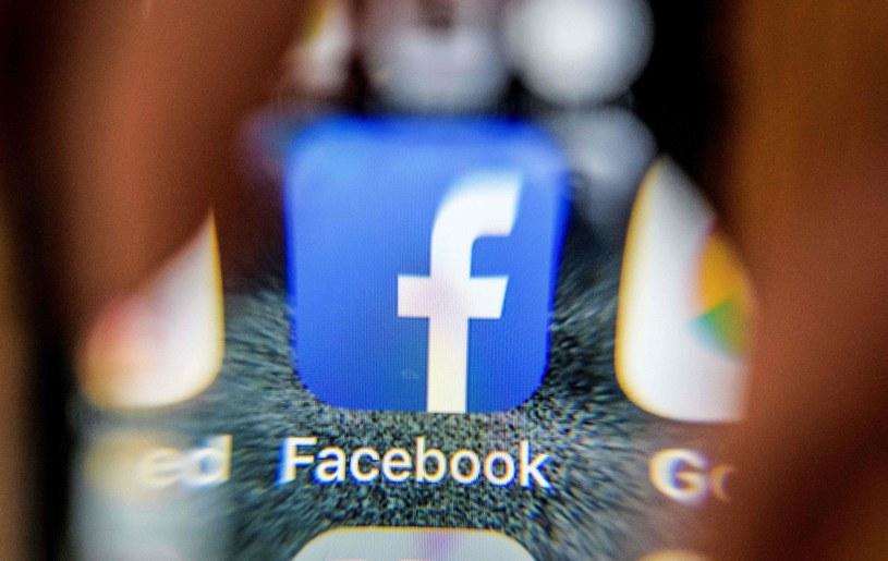 Facebook, zdj. ilustracyjne /MLADEN ANTONOV /AFP