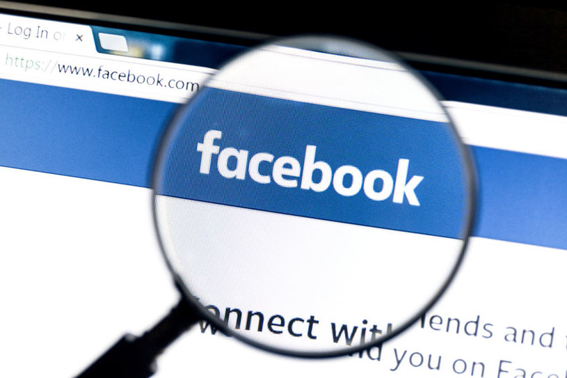 Facebook znów zalany falą fałszywych treści /123RF/PICSEL