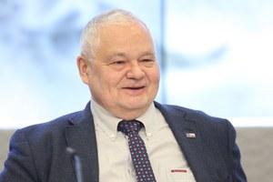 """""""Fakt"""": Prezes NBP przyznał sobie pół miliona nagród i premii. NBP: To nieprawda"""