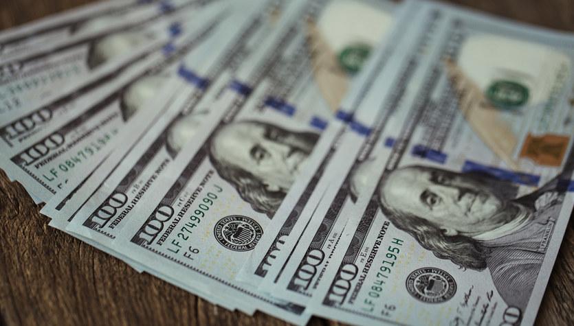 Fala optymizmu odpycha od dolara, kursy walut z ostrym cofnięciem