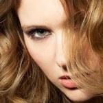 Fale na włosach długich