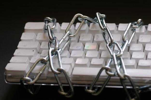 Fałszywe poczucie bezpieczeństwa - tym wabią nas cyberprzestępcy  fot. Armin Hanisch /stock.xchng