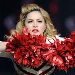 Fan przewrócił Madonnę. Zobacz!