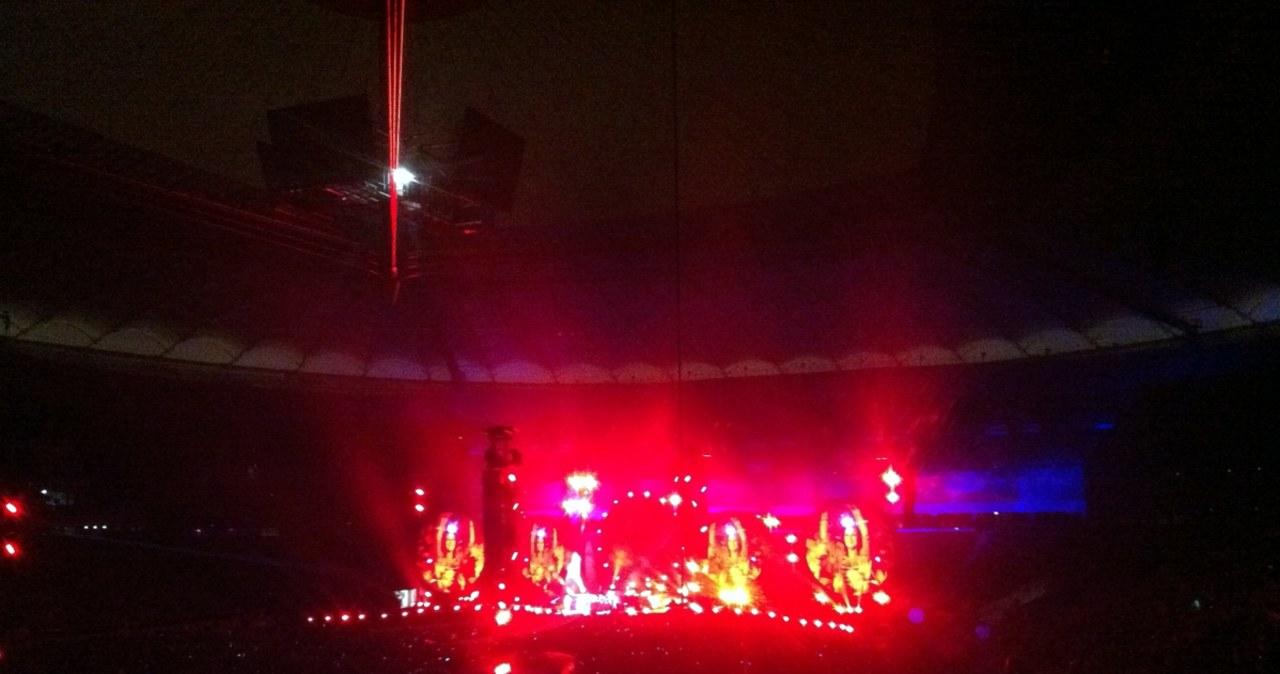 Fani Coldplay przed Stadionem Narodowym w Warszawie