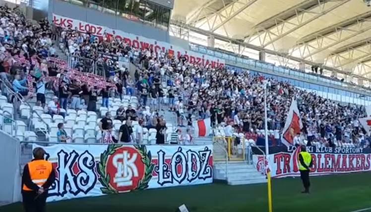 Fani ŁKS-u mają powód do radości; źródło: youtube.com /