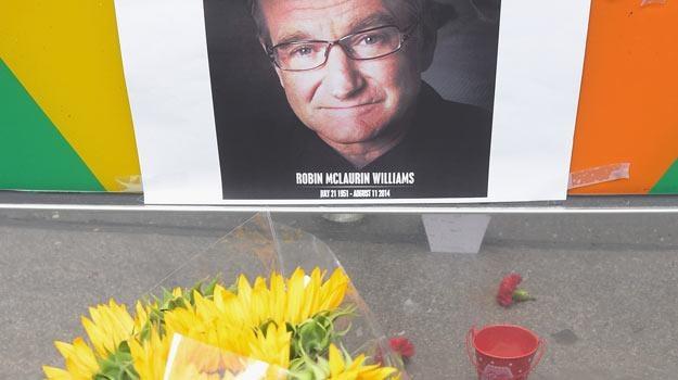 Fani  na całym świecie oddają hołd Robinowi Williamsowi - fot, Michael Loccisano /Getty Images