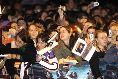 Fani na londyńskim Leicester Square /AFP