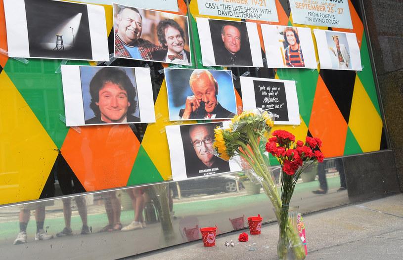 Fani oddają cześć zmarłemu Robinowi Williamsowi. /Michael Loccisano /Getty Images
