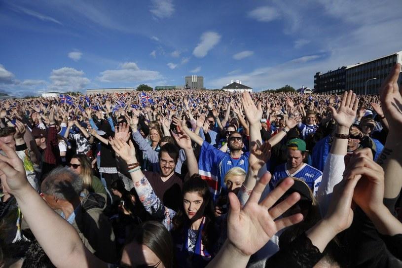 Fani w Islandii /PAP/EPA