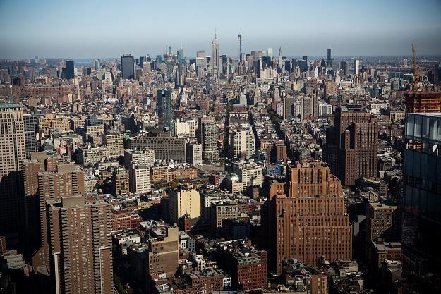 Fantastyczny widok z 63. piętra One World Trade Center na Manhattan. Fot. Andrew Burton/Getty Images /AFP
