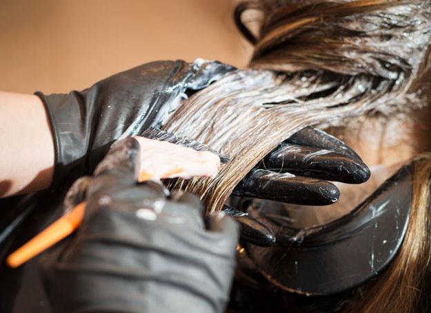 Farbowanie 3D podkreśla cieniowanie włosów. O tę metodę zapytaj fryzjera /123RF/PICSEL