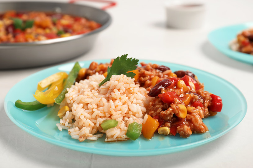 Fasola po indyjsku to zbilansowany obiad /123RF/PICSEL