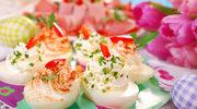 Faszerowane kolorowe jajka