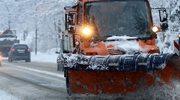 Fatalne warunki do jazdy w Beskidach, tiry nie radzą sobie na podjazdach