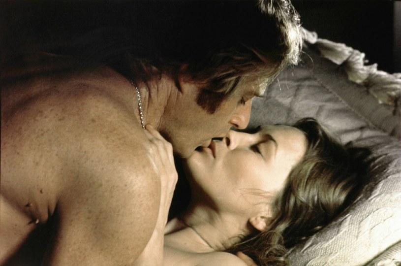 """Faye Dunaway i Robert Redford w filmie """"Trzy dni Kondora"""" (1975) /materiały dystrybutora"""