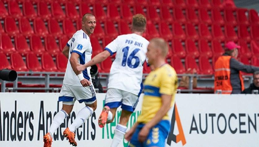 FC Kopenhaga - Broendby 1-2 w 2. kolejce ligi duńskiej. Gol Kamila Wilczka