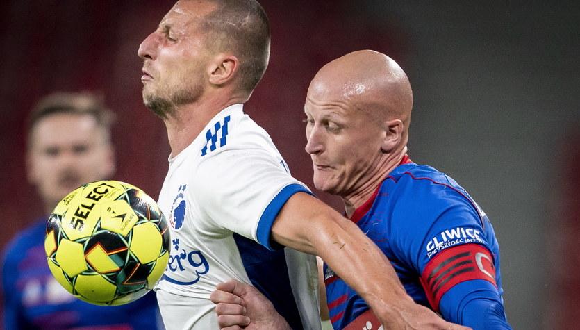 FC Kopenhaga - Piast Gliwice 3-0. Kamil Wilczek przyznał się do zagrania piłki ręką