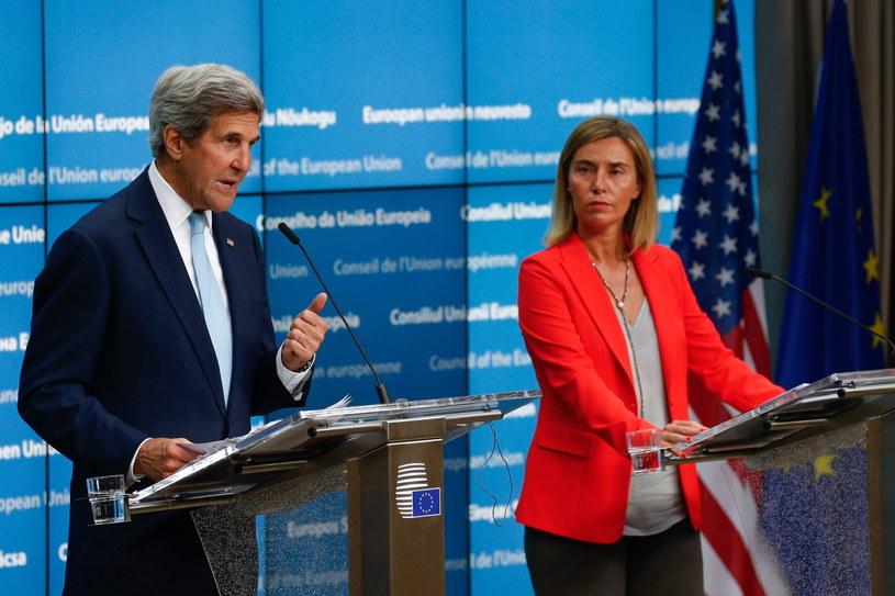 Federica Mogherini i John Kerry /PAP/EPA