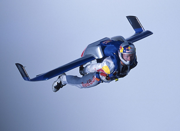Felix Baumgartner podczas przelotu nad Kanałem La Manche /fot. Red Bull /