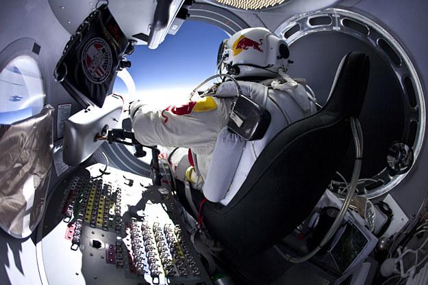 Felix Baumgartner w kapsule /fot. Red Bull /INTERIA.PL
