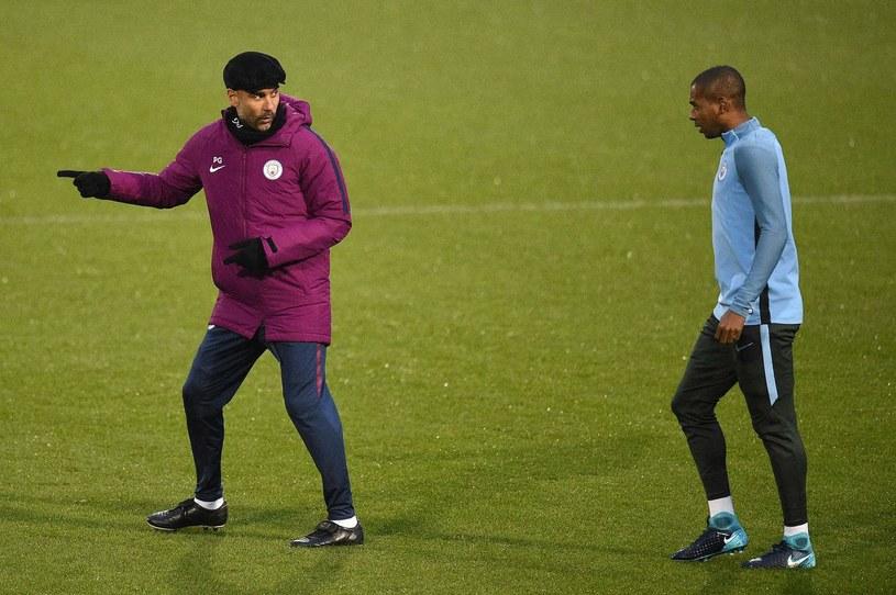 Fernandinho i menedżer Manchesteru City - Pep Guardiola /AFP