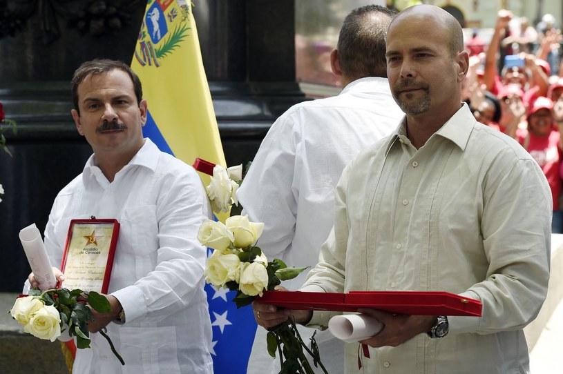 """Fernando Gonzalez I Gerardo Hernandez, członkowie """"kubańskiej piątki"""" /JUAN BARRETO /AFP"""