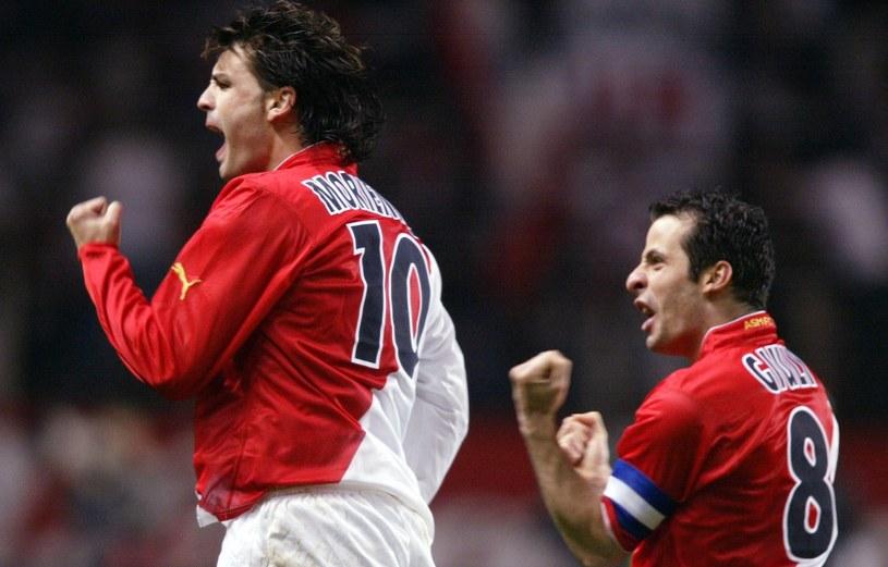 Fernando Morientes (z lewej) w barwach AS Monaco. Obok Ludovic Giuly, który później grał w Barcelonie /Henri Szwarc /Getty Images
