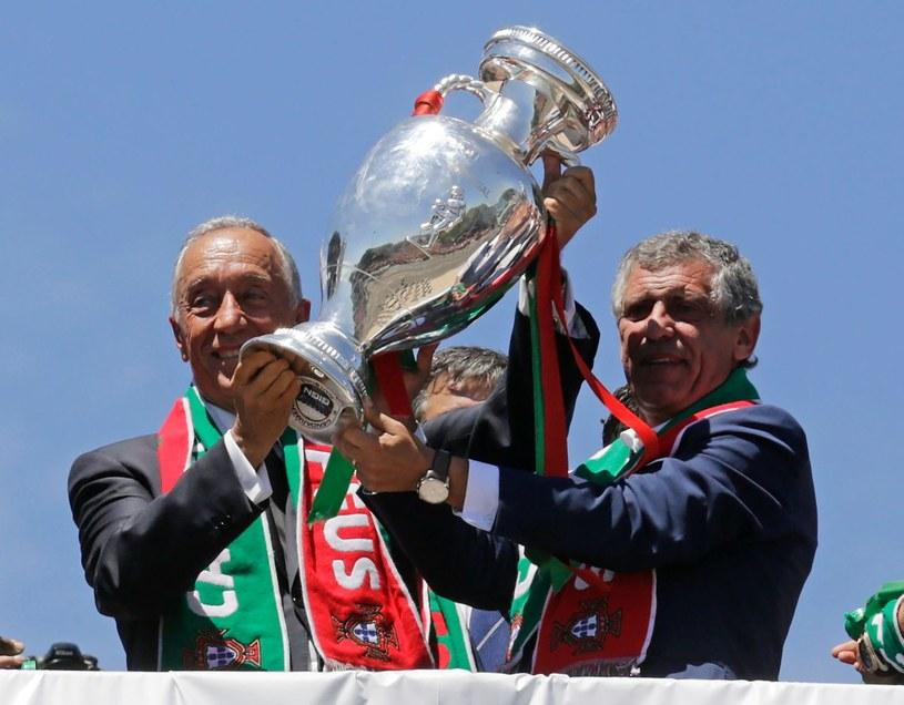 Fernando Santos (z prawej) i prezydent Portugalii Marcelo Rebelo de Souza /AFP