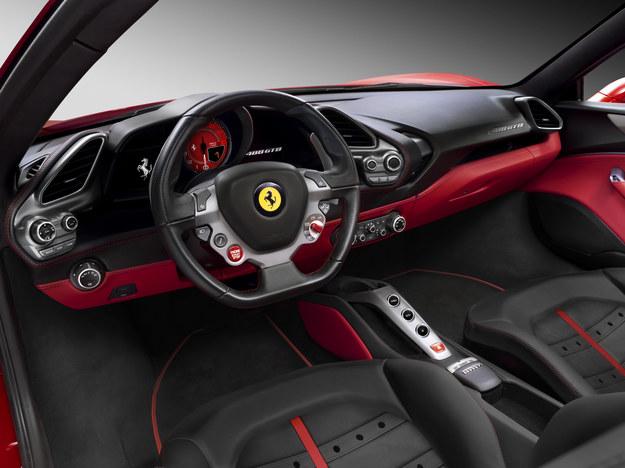 Ferrari 488 GTB - wnętrze /Ferrari