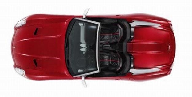Ferrari 599 SA aperta /