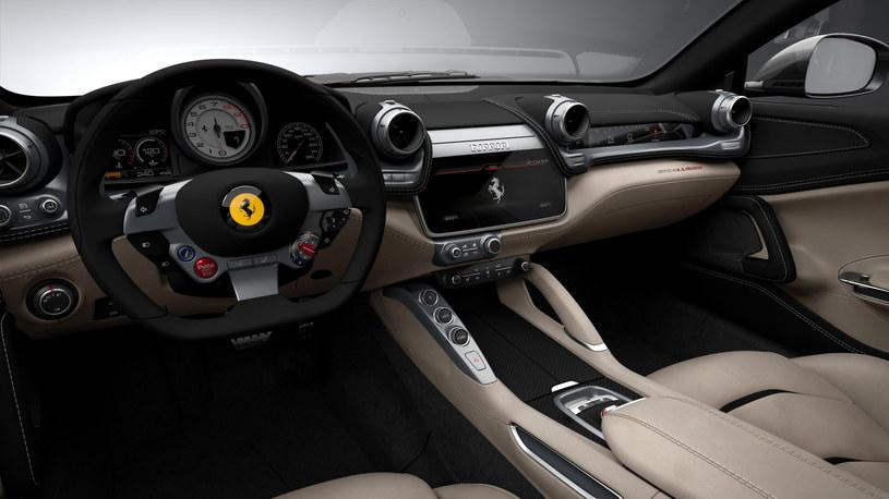 Ferrari GTC4 Lusso /