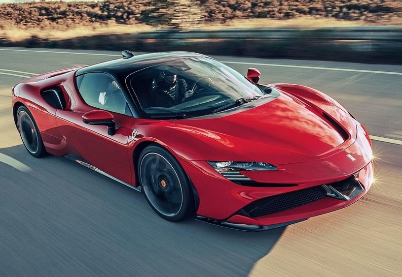 Ferrari SF90 Stradale /