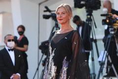 Festiwal Filmowy w Wenecji 2020. Zobaczcie kreacje gwiazd