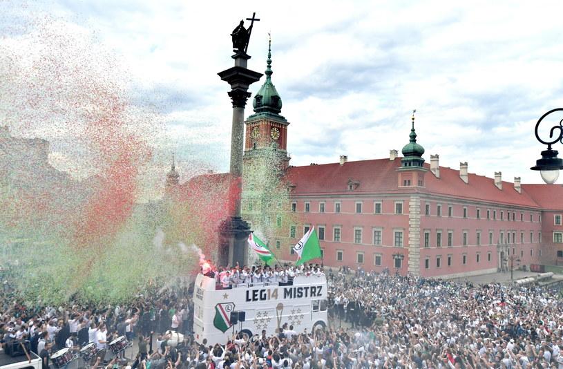Feta na Placu Zamkowym w Warszawie /PAP/Bartłomiej Zborowski /PAP