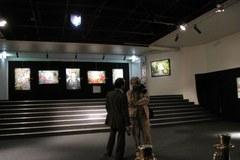 Fiasko paryskiej wystawy obrazów ojca prezydenta Francji