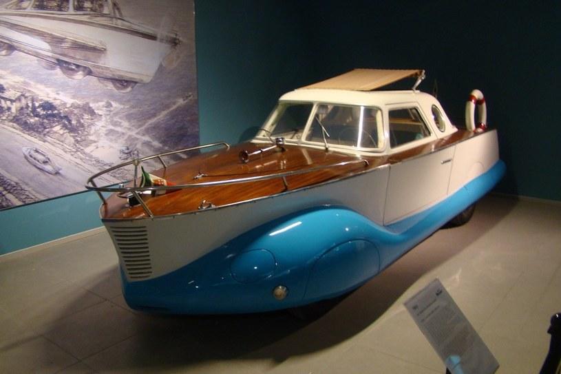Fiat 1100, wykonany w 1950 r. w przez Coriasco, włoską firmę specjalizującą się w budowie nadwozi /INTERIA.PL
