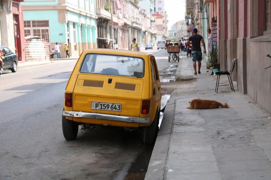Fiat 125p na ulicach Hawany /Paweł Żuchowski /RMF FM
