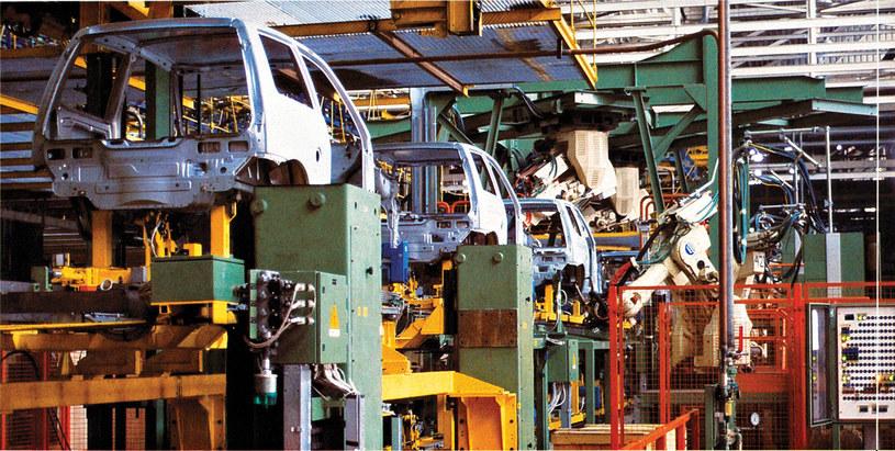 Fiat Cinquecento na linii montażowej /