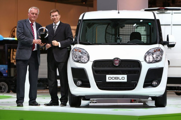 Fiat doblo cargo - van roku 2011 /