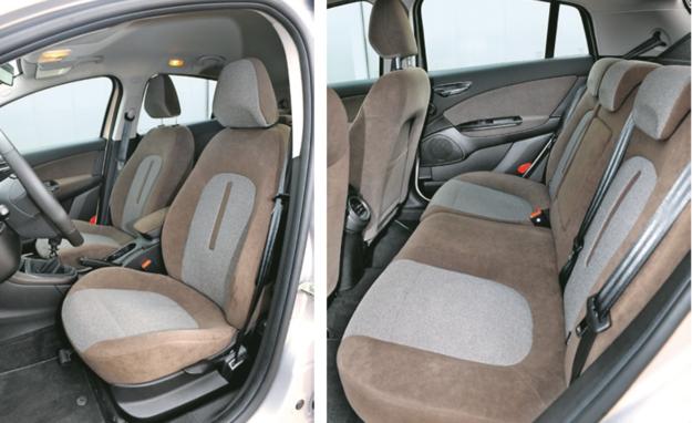 FIAT Fotele przednie mniejsze i nie tak wygodne jak w Citroenie, ale za to z tyłu jest więcej miejsca. /Motor