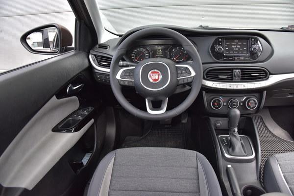 Fiat Tipo 1.6 E-Torq Lounge