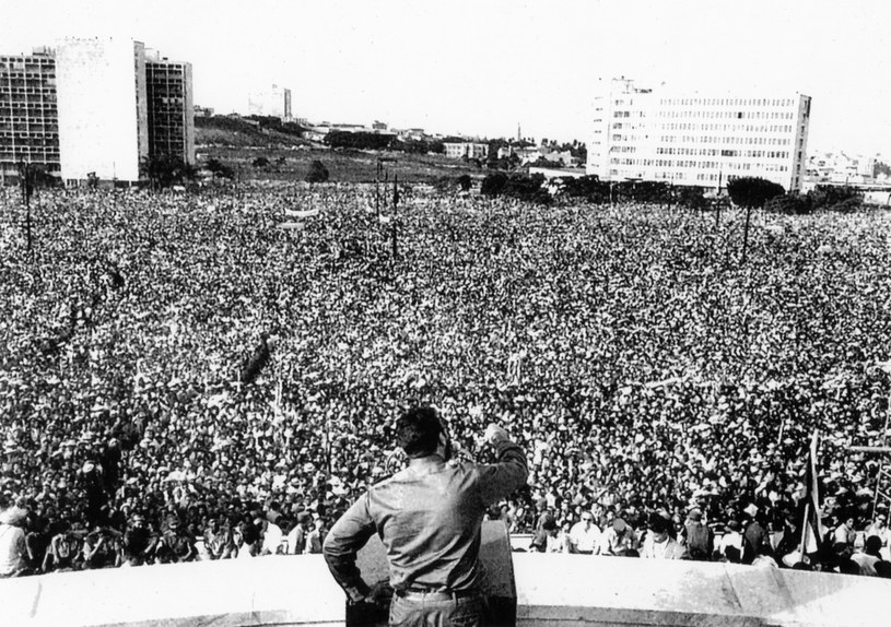 Fidel Castro w czasie jednego z przemówień /UIG Art and History /East News