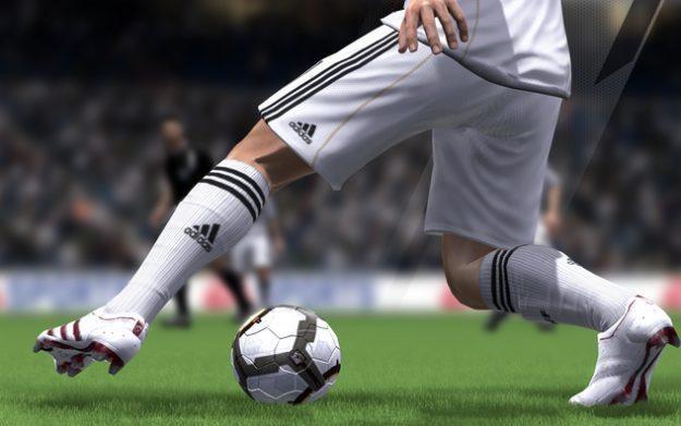 FIFA 12, jak kolejne części serii, ma wprowadzić kilka użytecznych zmian i poprawek /Informacja prasowa